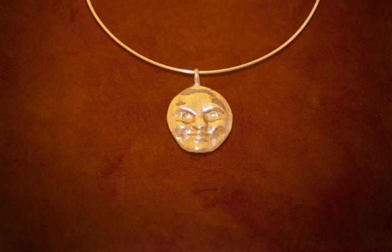 moon-brass